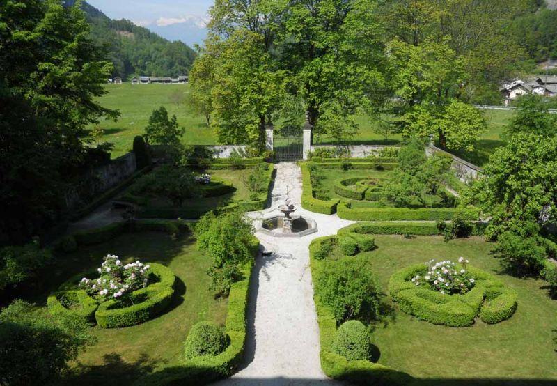 giardino palazzo salis a tirano